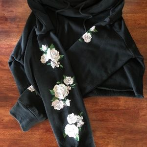 Embroidered PacSun Crop Top Hoodie